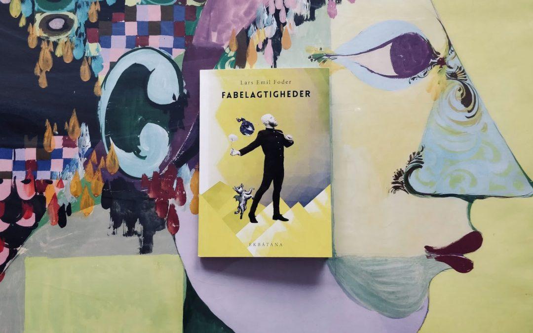 Fabulerende og filosofiske fortællinger om verden set fra skæve vinkler